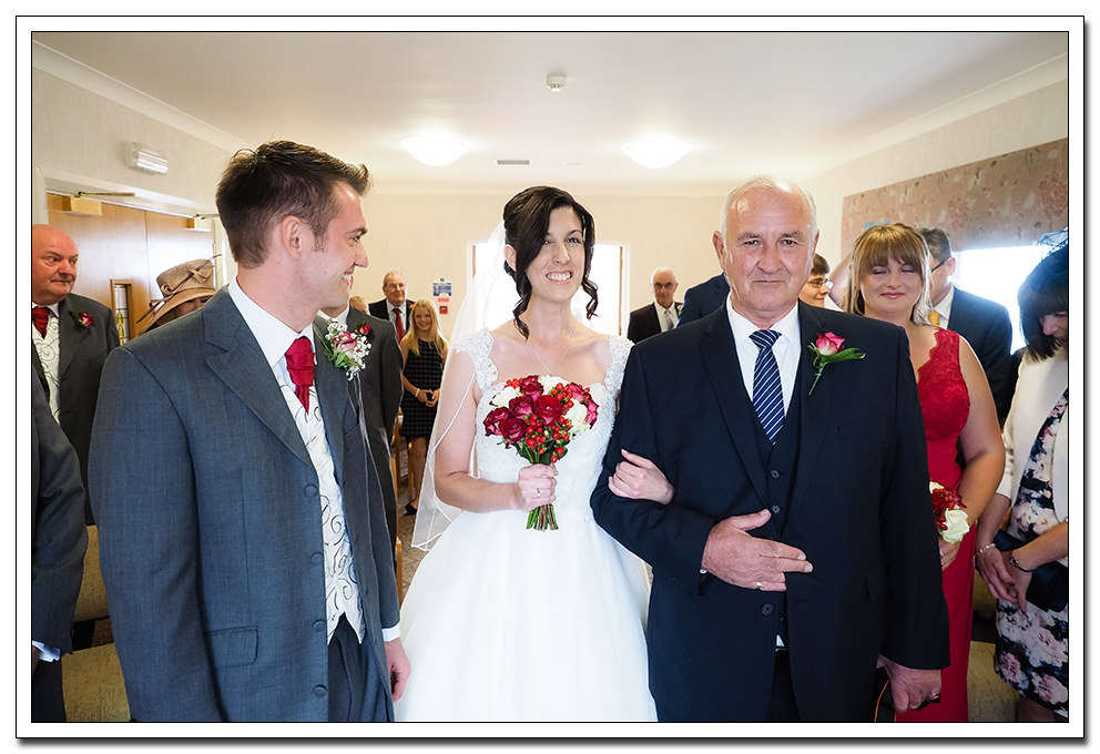 wedding of rebecca and jeremy at the registry office, whitby