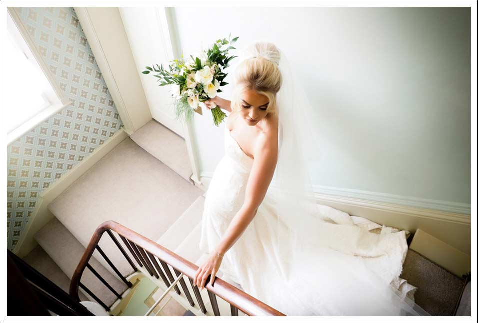 hornington manor wedding - bride leaving for the ceremony