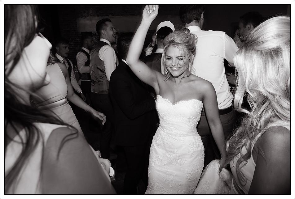 bride at hrnigton manor